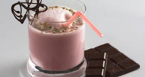 Малина и шоколад идеально сочетаются с молоком