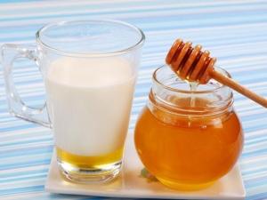 Сильное средство от простуды молоко с медком