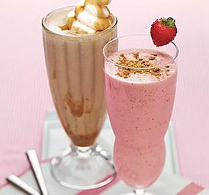 Коктейль из молока с добавлением мороженного