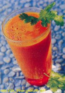 Сок из моркови и томата